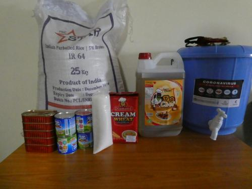 Food aid package for teachers
